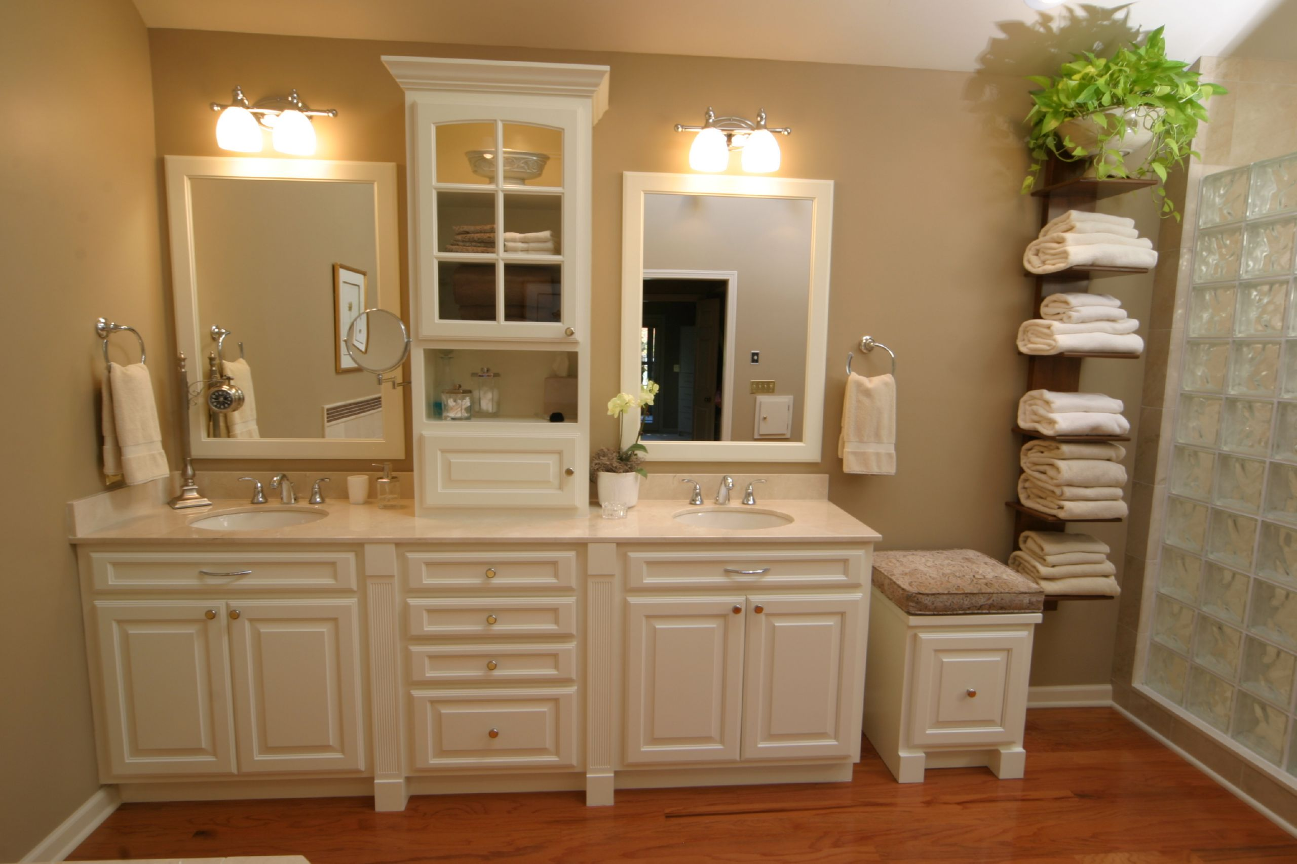 Bathroom remodeling tips njw construction for Bathroom renovation images